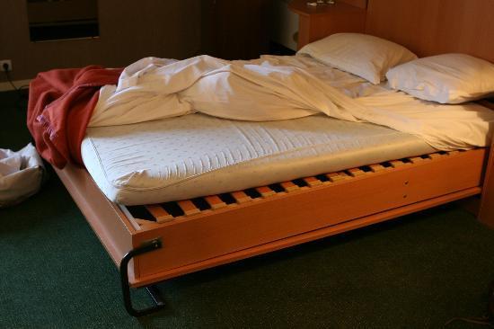 Best Western Hotel Les Beaux Arts: lit double