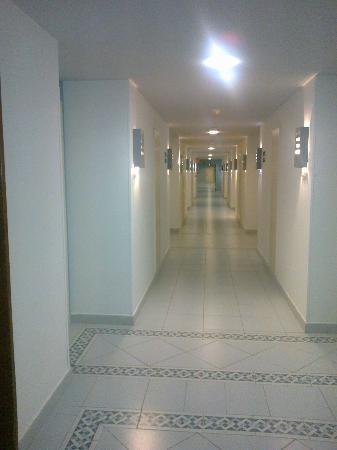H10 Tindaya: Un corridoio