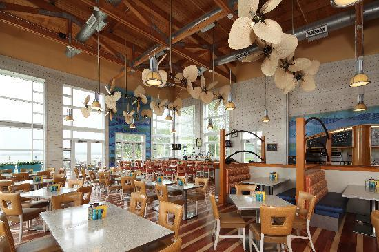 Hyatt Regency Chesapeake Bay Golf Resort, Spa & Marina: Blue Point Provision Company Restaurant (located at the marina)