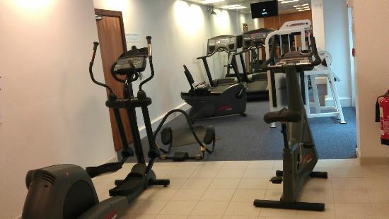 Crowne Plaza Hotel Birmingham NEC: Tiny Gym 