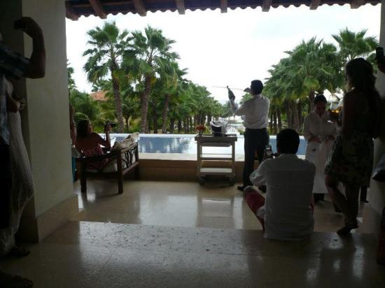 The St. Regis Punta Mita Resort: Friday champagne ritual