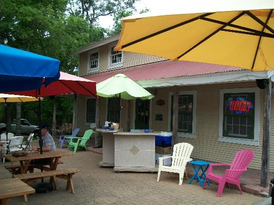 Winery on the Gruene: Outdoor Bar