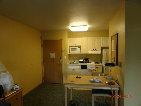 Extended Stay America - Orlando - Convention Center - Universal Blvd: mini kitchen