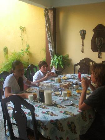 Nilda y Luis: Le petit déjeuner toujours délicieux