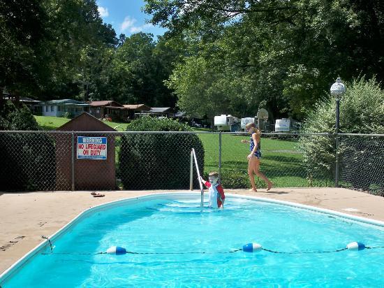 Fort Tatham RV Park: Pool area (overlooking playground)