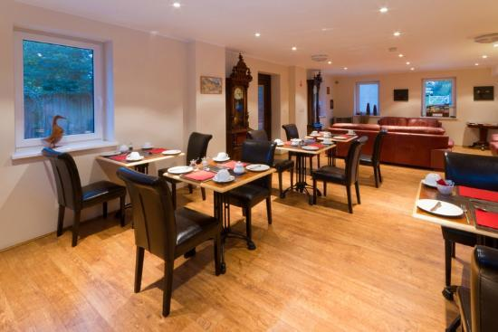 Meadowside Castle B&B: Dining Room
