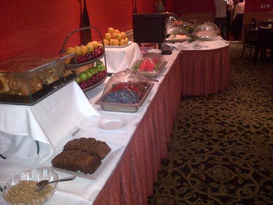 Radisson Martinique on Broadway: Breakfast Buffet 
