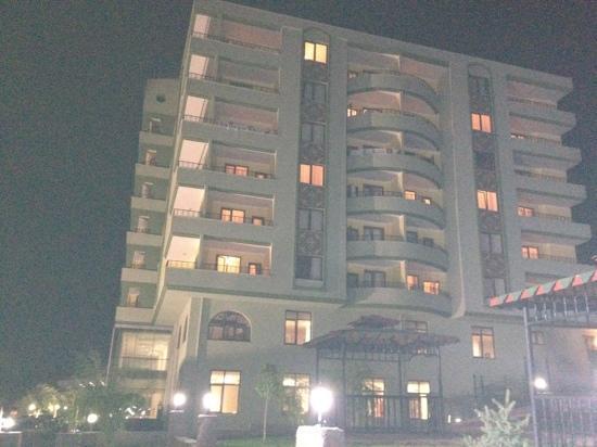 Kozakli Grand Termal Hotel: dıştan