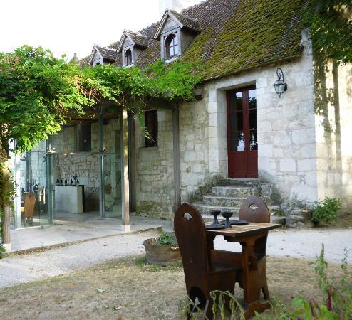 Sieur Sausin: The entrance