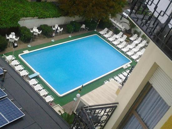 Hotel Montmartre: vista piscina dall'alto