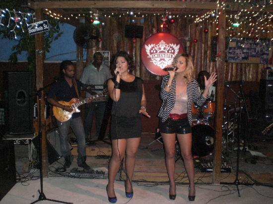 JOJO's Jerk Pit and More: Tammi and Tessan Chin performs at Jo Jo's