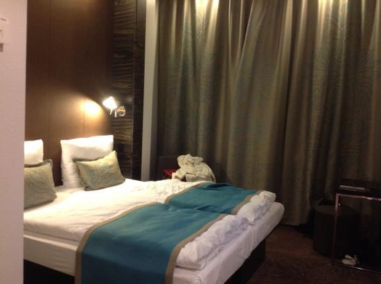 Motel One Essen: room