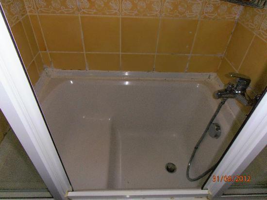 Asur Hotel: La doccia (foto 1)