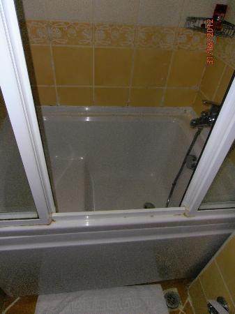 Asur Hotel: La doccia (foto 2)
