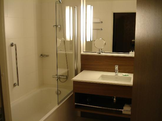 Elite Hotel Adlon: Bathroom