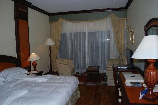 """Habtoor Grand Resort, Autograph Collection: Our """"5-star room"""""""
