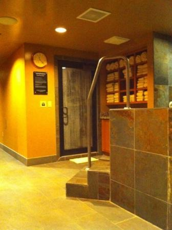 Teton Mountain Lodge & Spa - A Noble House Resort: Men's spa steam room