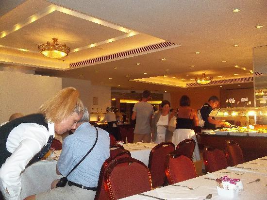 Ξενοδοχείο Τιτάνια: salon de desayunos