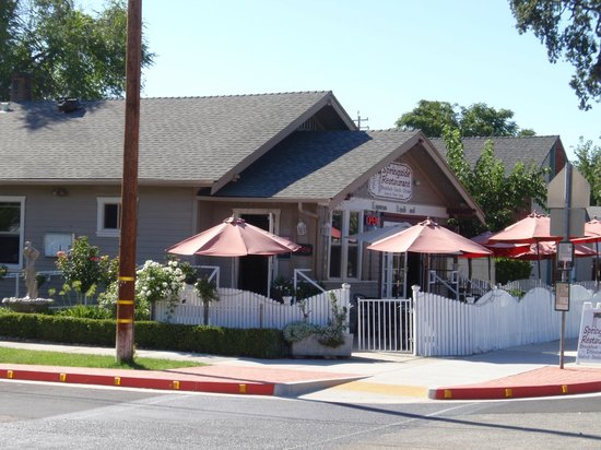 Springside Restaurant, Paso Robles, on an August day