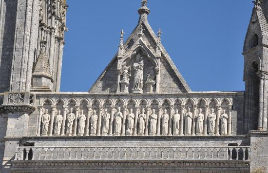 Chartres cathedral exterior