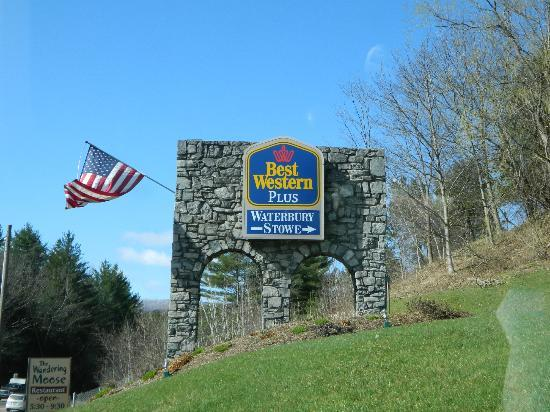 Best Western Plus Waterbury Stowe Sign At Bottom Of The Hill
