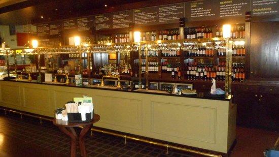 Mitchell's Kitchen and Bar: BAR