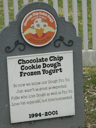 Ben & Jerry's: I don't think we had this in Canada, because I would have eagerly eaten it :o)