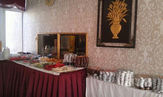 Hurriyet Hotel: breakfast