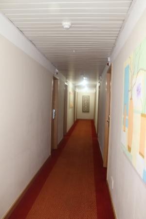 Malaposta: Pasillo de las habitaciones.