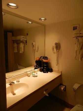 Golden Inn Hotel: Bathroom