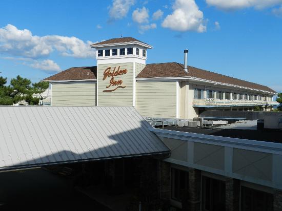 Golden Inn Hotel: Exterior