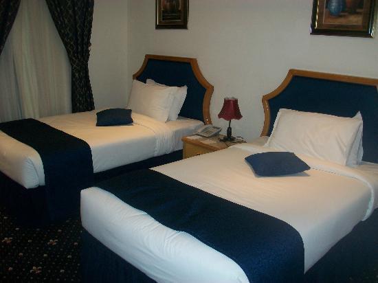 Grand Qatar Palace Hotel: Room