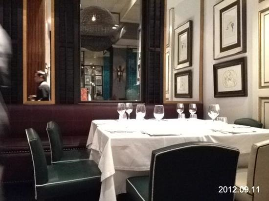 Flamant Restaurant: une table