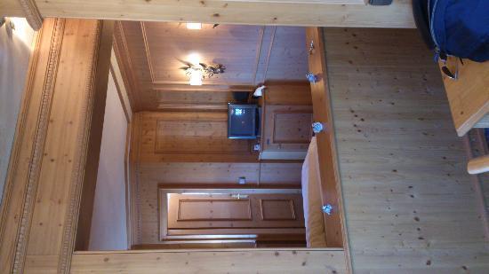 Jauch's Loewen : bedroom