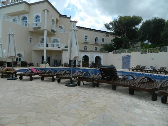 Grand Hotel Palladium: Outdoor pool