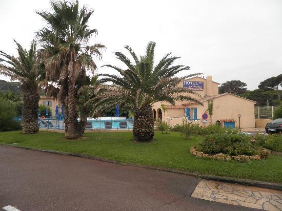 Citotel Hostellerie de la Nartelle : foto dal parcheggio interno