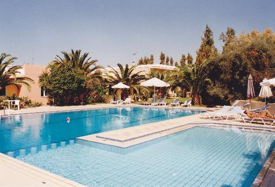 Hotel Kyriaki: pool