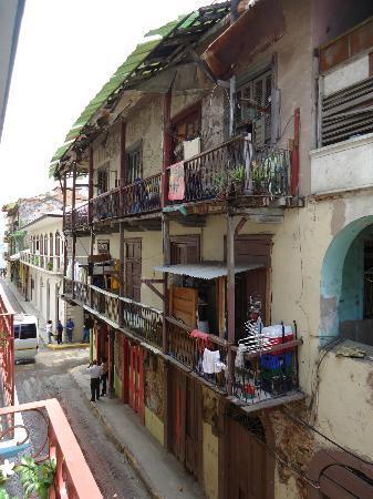 Tantalo Hotel / Kitchen / Roofbar: view from balcony