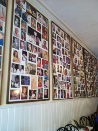 Tic TOC Ice Cream Parlor: Wall of Fans