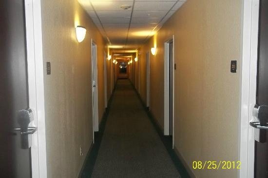 Extended Stay America - Portland - Scarborough: Second floor hallway