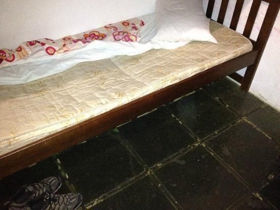 Pousada Solar do Algarve: mal estado dos colchoes