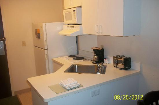 Extended Stay America - Portland - Scarborough: Kitchen