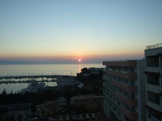 Suhan Seaport Hotel: SUNSET FROM BALCONY