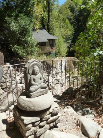 Tassajara Zen Mountain Center: ojizo sama