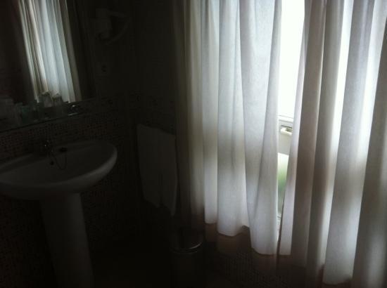 Hotel Mirador de Belvis: baño
