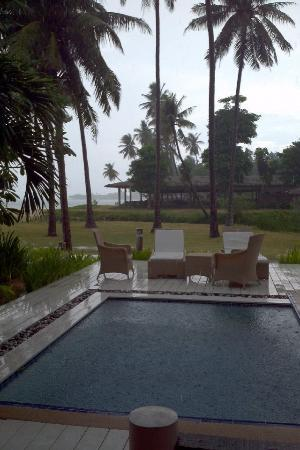 Shiva Samui: Private pool - raining day, so beautiful