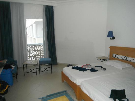 Hotel Itropika Beach : la camera