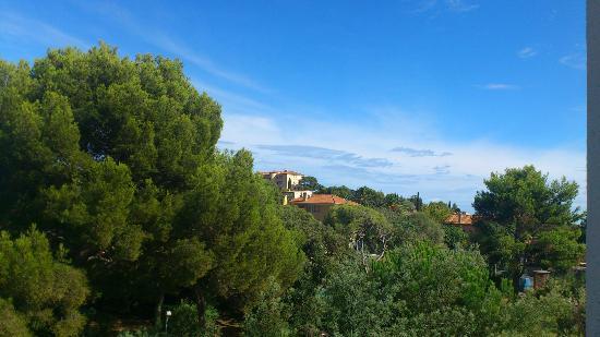 Residence Acquarine : vue de la terrasse en journée