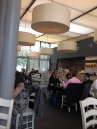 Nonna Restaurant: Innen Gastraum
