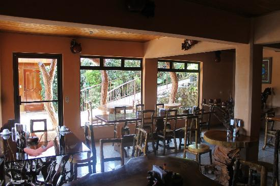 Monteverde Rustic Lodge: Breakfast area